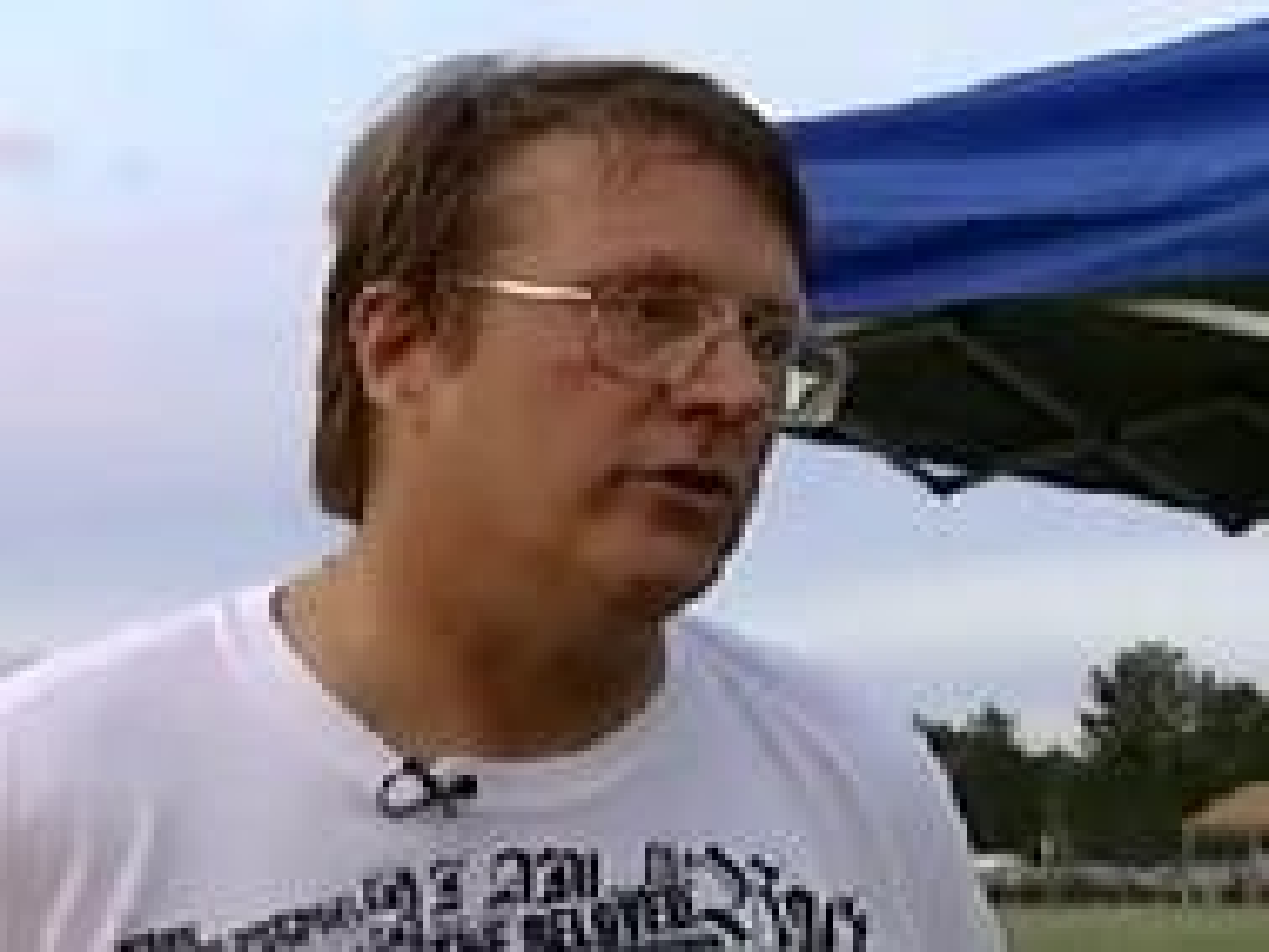 Judge OKs anti-gay evangelist to distribute bibles at Minnesota pride event