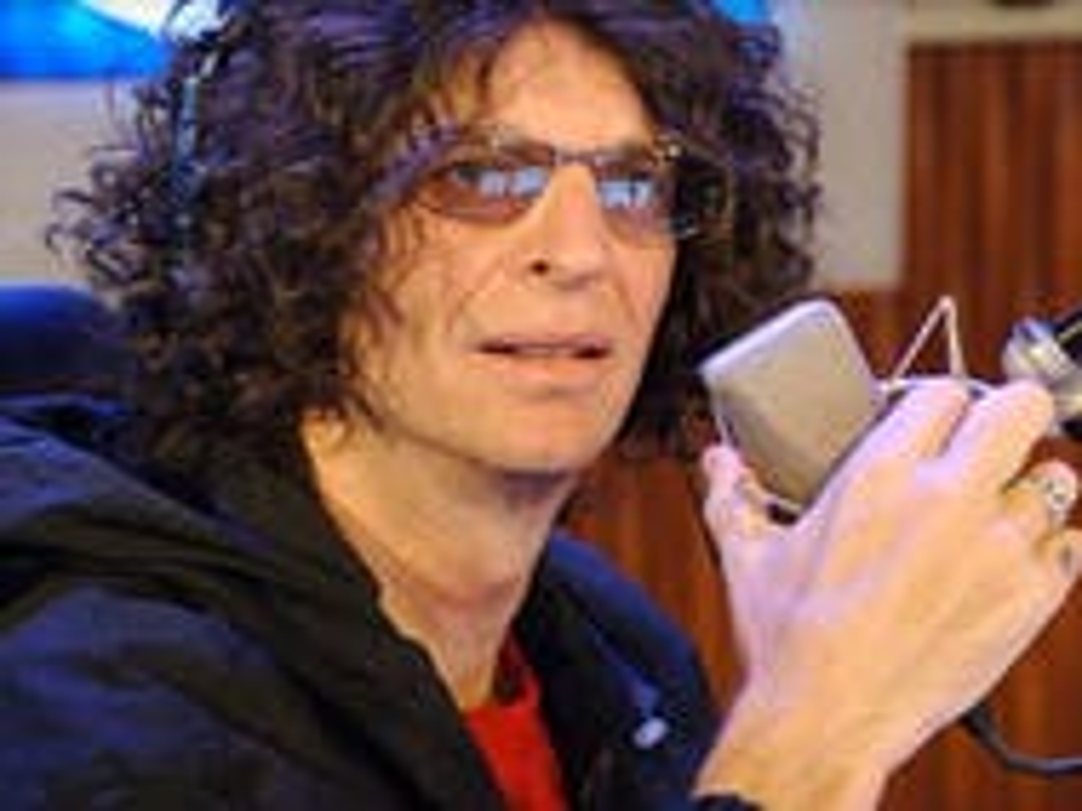 Howard Stern pledges to defend Ellen from the 'fucking bigots'