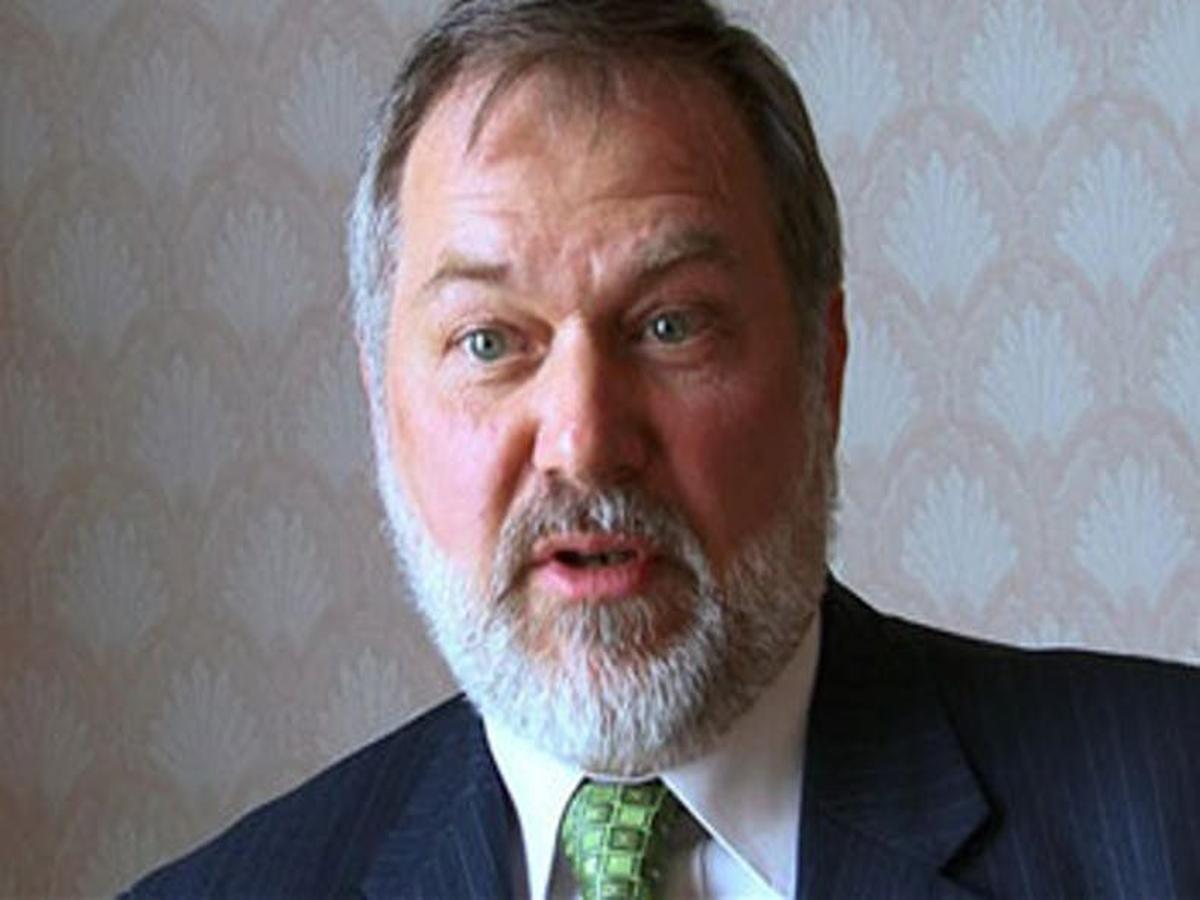 Ugandan gay rights group files lawsuit against U.S. evangelist Scott Lively