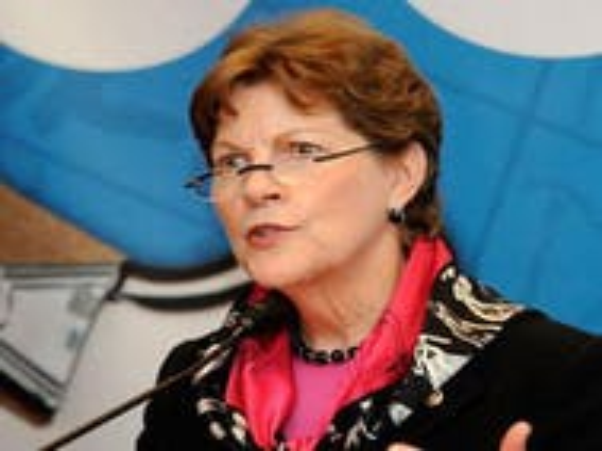 Shaheen: Same-sex benefits bill should apply to Veterans Affairs