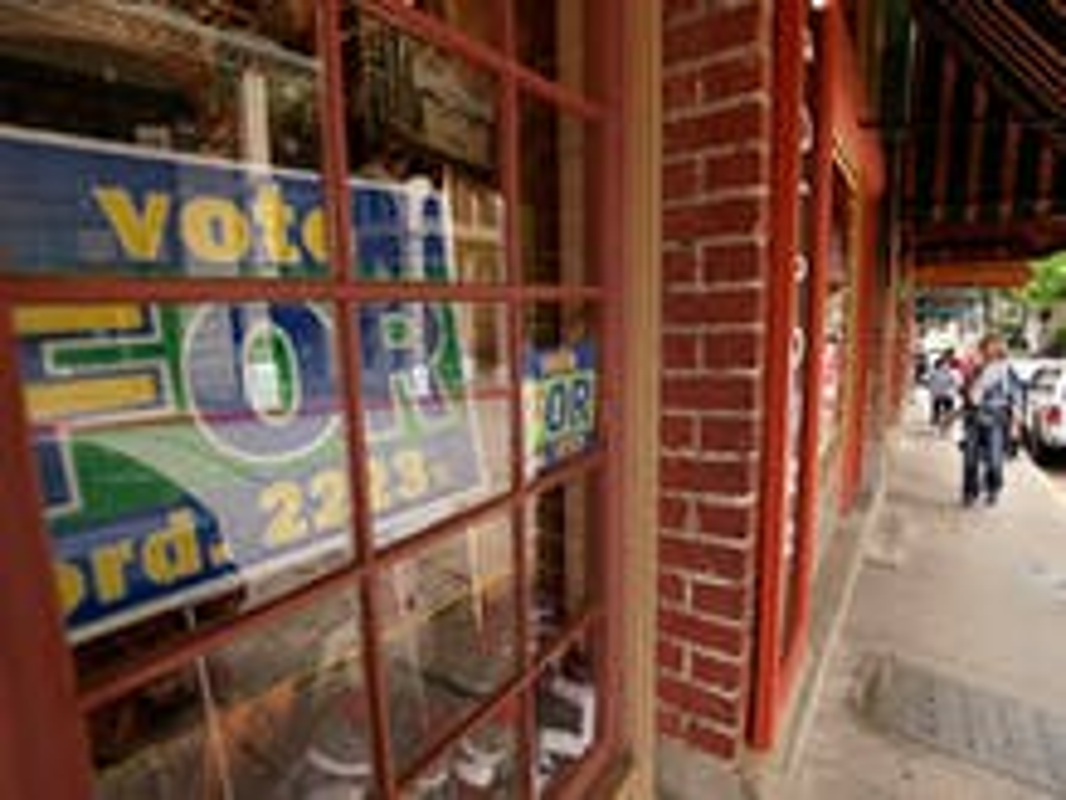 Arkansas town votes on LGBT anti-discrimination ordinance