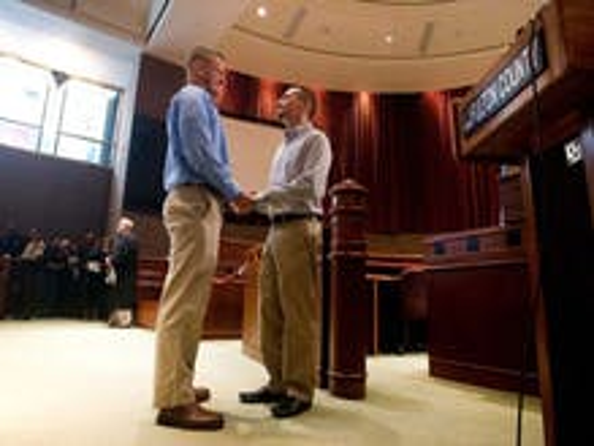 Georgia: Metro Atlanta court begins marrying same-sex couples