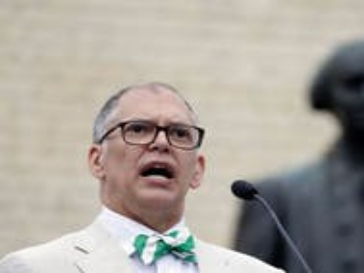 Attorneys seek $1.1 million-plus in gay marriage legal fees